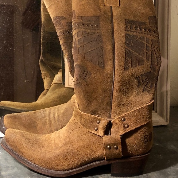 she who is brave boot junk gypsy | Botas zapatos, Botas